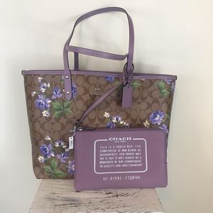 Large coach city reversible tote with pouch pastel